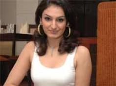 Akriti Kakkar to launch namesake album Akriti