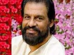 K.J.Yesudas sings for Aayiram Vilakku