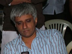 Vikram Bhatt takes up an erotic-thriller