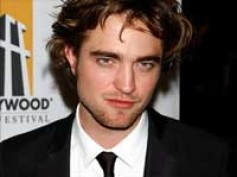 Robert Pattinson related to Dracula, say genealogists