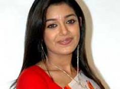 Chaya Singh makes her debut in Bengali