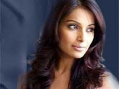 Bipasha takes up socially-relevant films