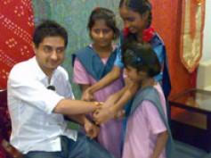 Pradhuman celebrates Rakhi with underprivileged kids