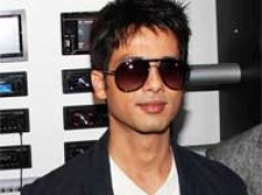Shahid refused to go full monty for Manish