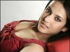 Tulip Joshi gets hot with Vatsal in bedroom