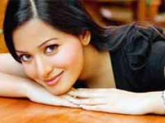 Preetika to enter Telugu films with Varun Sandesh's next
