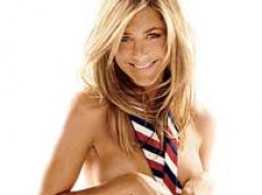 Jennifer Aniston shows off new hairstyle