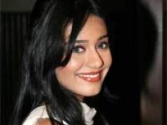 Amrita Rao pairs Tusshar Kapoor in Love U...Mr. Kalakaar!