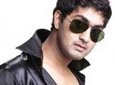 Harish Raj files a complaint against Gun producer
