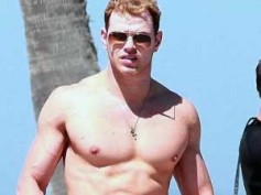 Kellan Lutz shirtless in Love, Wedding, Marriage clip
