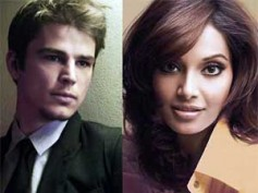 Bipasha Basu gets close to Josh Hartnett