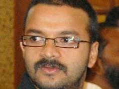 Jayasurya suffers injuries on Vadhyar set
