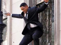 Will Smith's dare devil act in Men In Black 3
