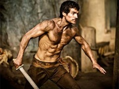 Henry Cavill's epic battle in Immortals trailer