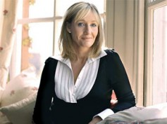 Warner Bros presents a diamond bracelet to JK Rowling