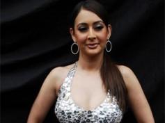 Preeti Jhangiani caught without underwear