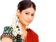 Vijayalakshmi becomes Veerappan's wife!