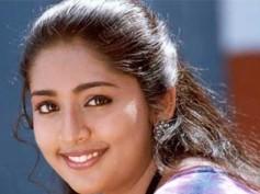Navya Nair to judge reality show 'Dance Dance'