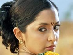 Niveditha defends kissing scene in Markandeyan!