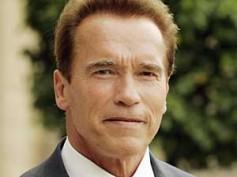 Arnold Schwarzenegger signs Captive?