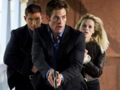 Hard-Pine fight for Witherspoon in This Means War trailer