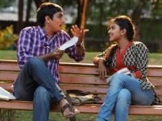 Kadhalil Sodhappuvadhu Yeppadi - Review