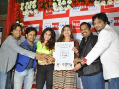 Alka Yagnik, Shaan launch music album of 'Love is in the Air'