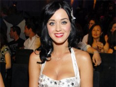 Katy Perry to move her hips for a Tamil film