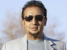 Gulshan Grover turns Gay in Baat Ban Gaiye