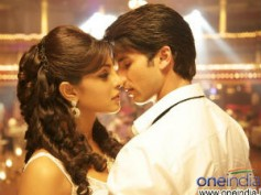 Teri Meri Kahaani to beat FKS, RR at overseas Box Office