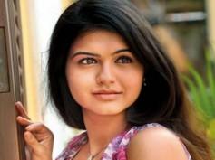 Actress Shubha Phutela's pictures