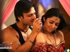 Photos: Charmi finds lovemaking in Zilla Ghaziabad boring