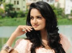 Shanvi playing a fashion design student in Adda