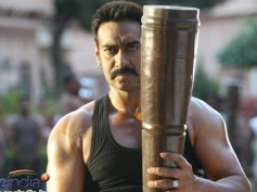 Ajay Devgn to star in Bachchan remake!