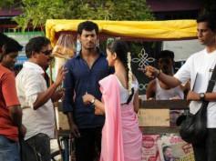 Aishwarya Arjun  faints on Pattathu Yaanai sets