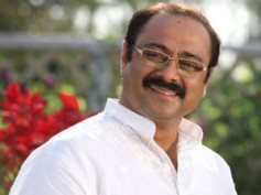 Actor Sachin Khedekar stepping into Amitabh Bachchan's shoes