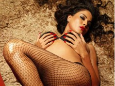 Pics - I love shooting in sexy bikinis: Veena Malik