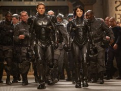 Pacific Rim - Movie Review: Numbs you sporadically