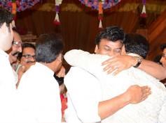 Tejaswini's Wedding Photos: Chiranjeevi, Balakrishna Kiss And Make Up