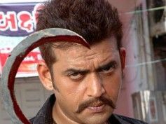Ravi Kishan Playing Villain In Allu Arjun's Race Gurram?