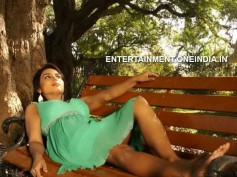 Pictures: Shilpi Shukla's Glamourous Look In Andaru Andarena
