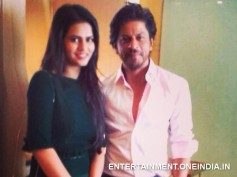 See Picture: Sharmila Mandre With Shahrukh Khan