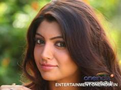 Akanksha Puri Says Mammootty Is Her Style Icon!