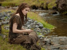 Emma Watson Gushes On Working With Darren In Noah