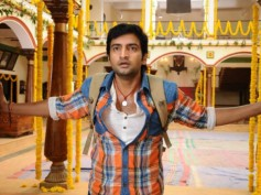 Santhanam's Vallavanuku Pullum Aayudham Releasing This Weekend