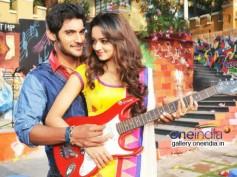 Pyar Mein Padipoyane - Movie Review