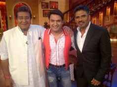 Vinod Khanna And Suniel Shetty Grace Comedy Nights With Kapil Stage