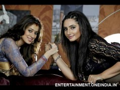 Cat Fight Between Shrungara Lead Ladies - Ragini Dwivedi, Lakshmi Rai!