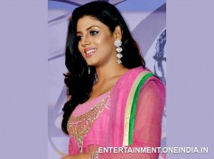 Robbery At Actress Iniya's House!