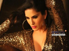 Sunny Leone To Sizzle With 'Pink Lips' For Hate Story 2!